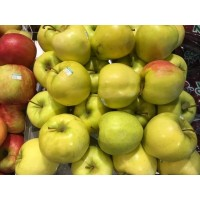 Fresh Apples - Golden Delicious - Full Case - Approx 72-80 CT Medium Size